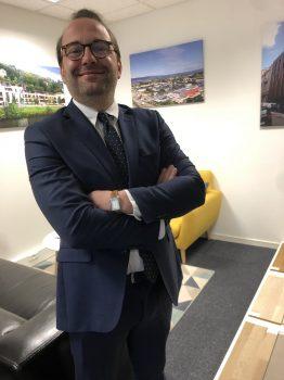 Négociateur Cédric PEYRACHE