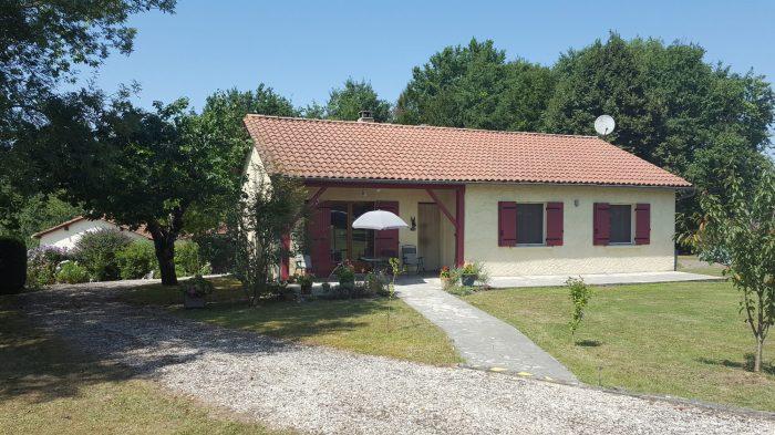 Bungalowin , PetIt-Bersac, Dordogne, AquItaIne, France