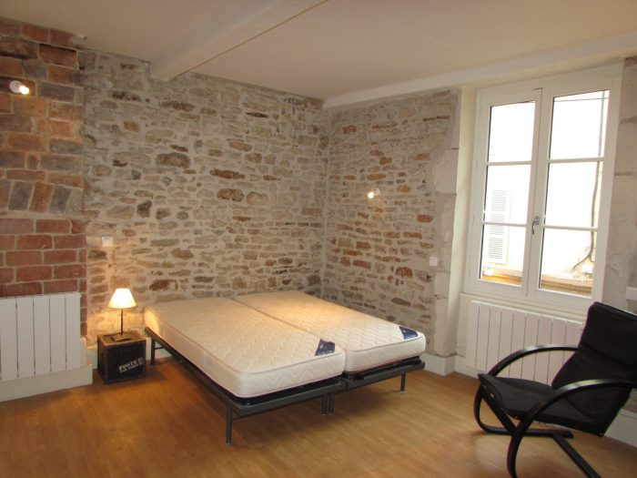 Location annuelle Appartement CLUNY 71250 Saône et Loire FRANCE