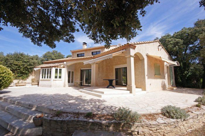 A Vendre Villa 7 Pieces Situee A Nimes 30900