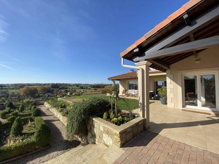 Superb modern Villa with exceptional views