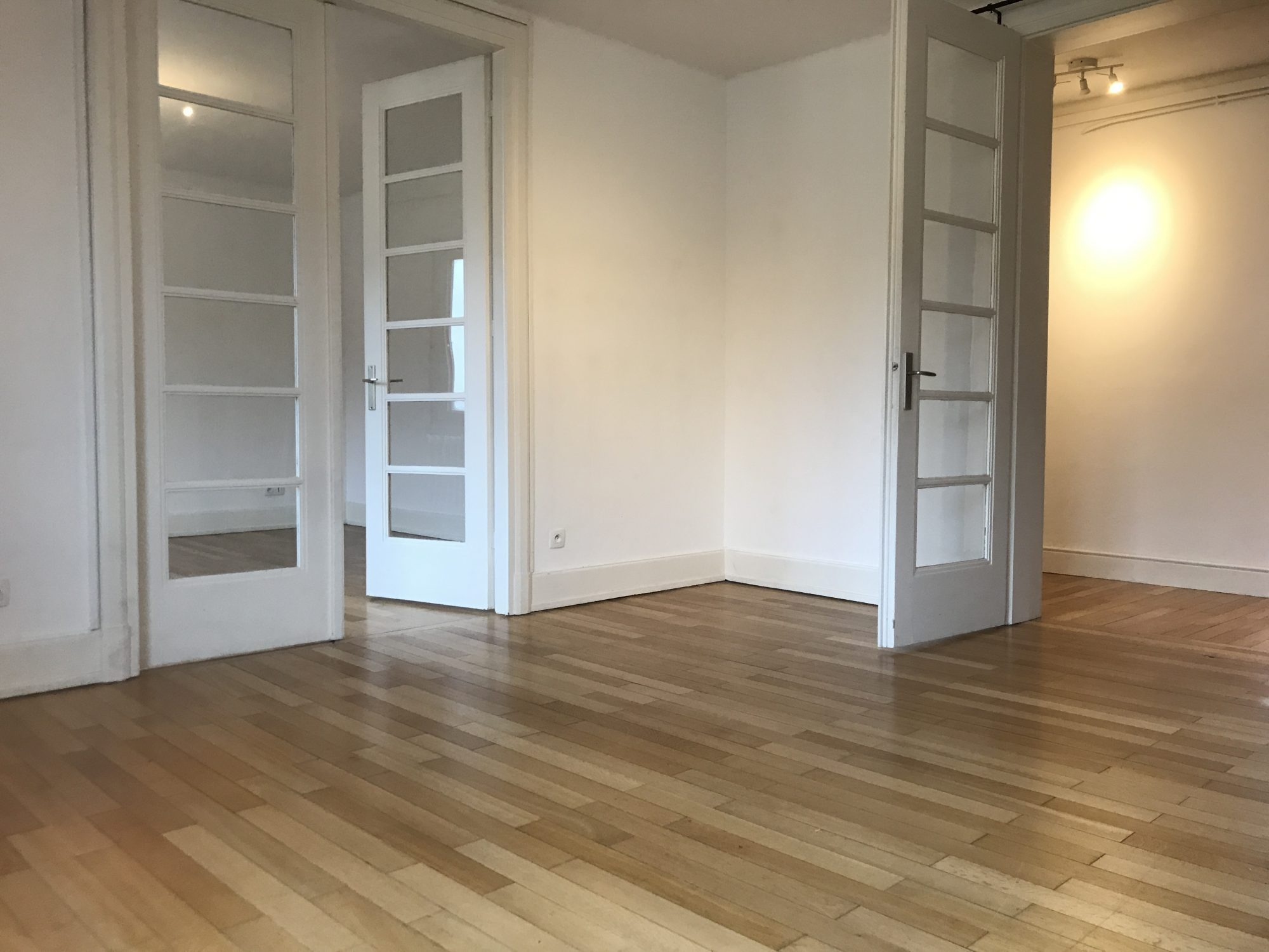 GRAND 3 PIECES BLVD DE LYON - Devenez locataire en toute sérénité - Bintz Immobilier - 4