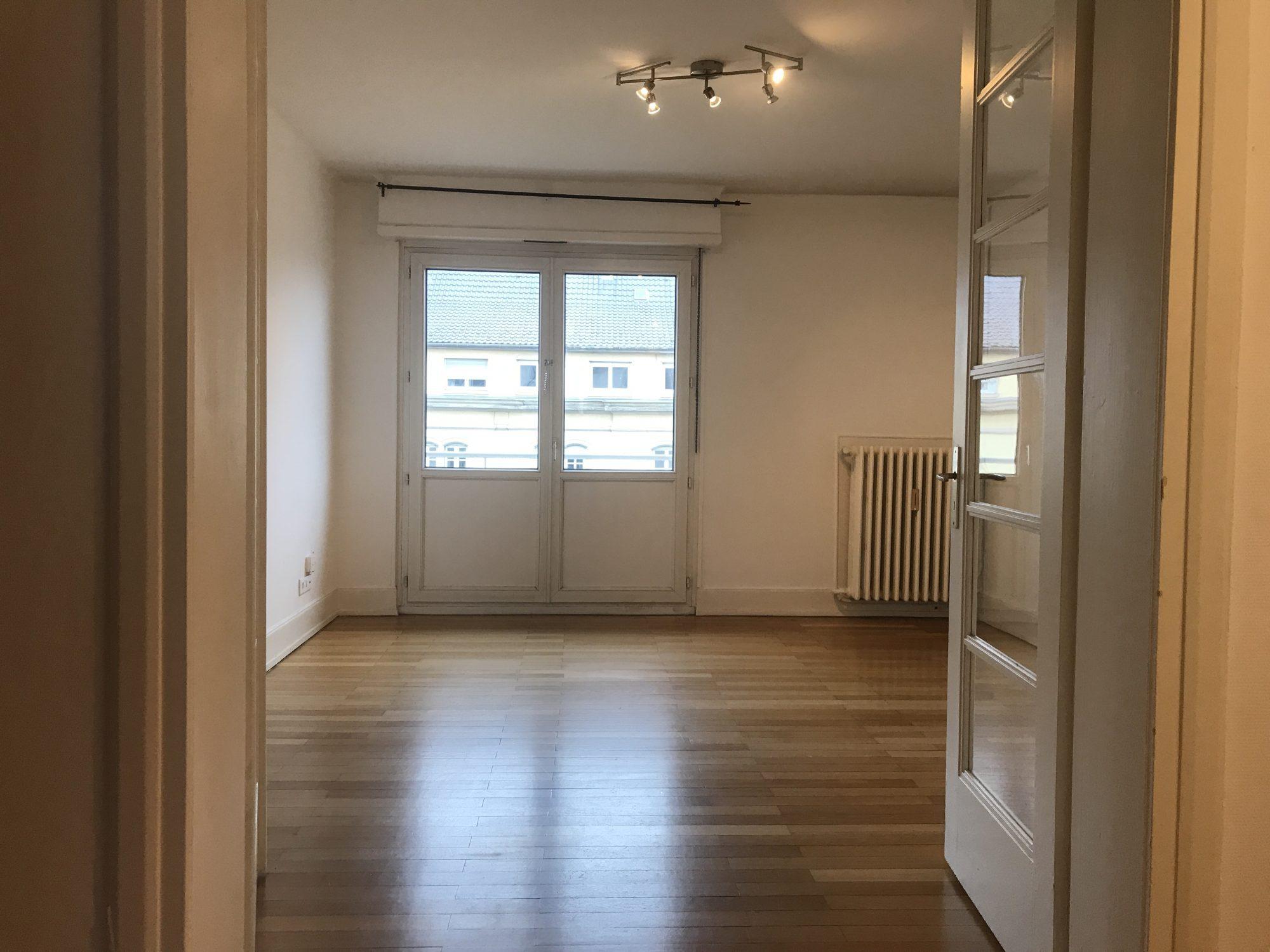 GRAND 3 PIECES BLVD DE LYON - Devenez locataire en toute sérénité - Bintz Immobilier - 6