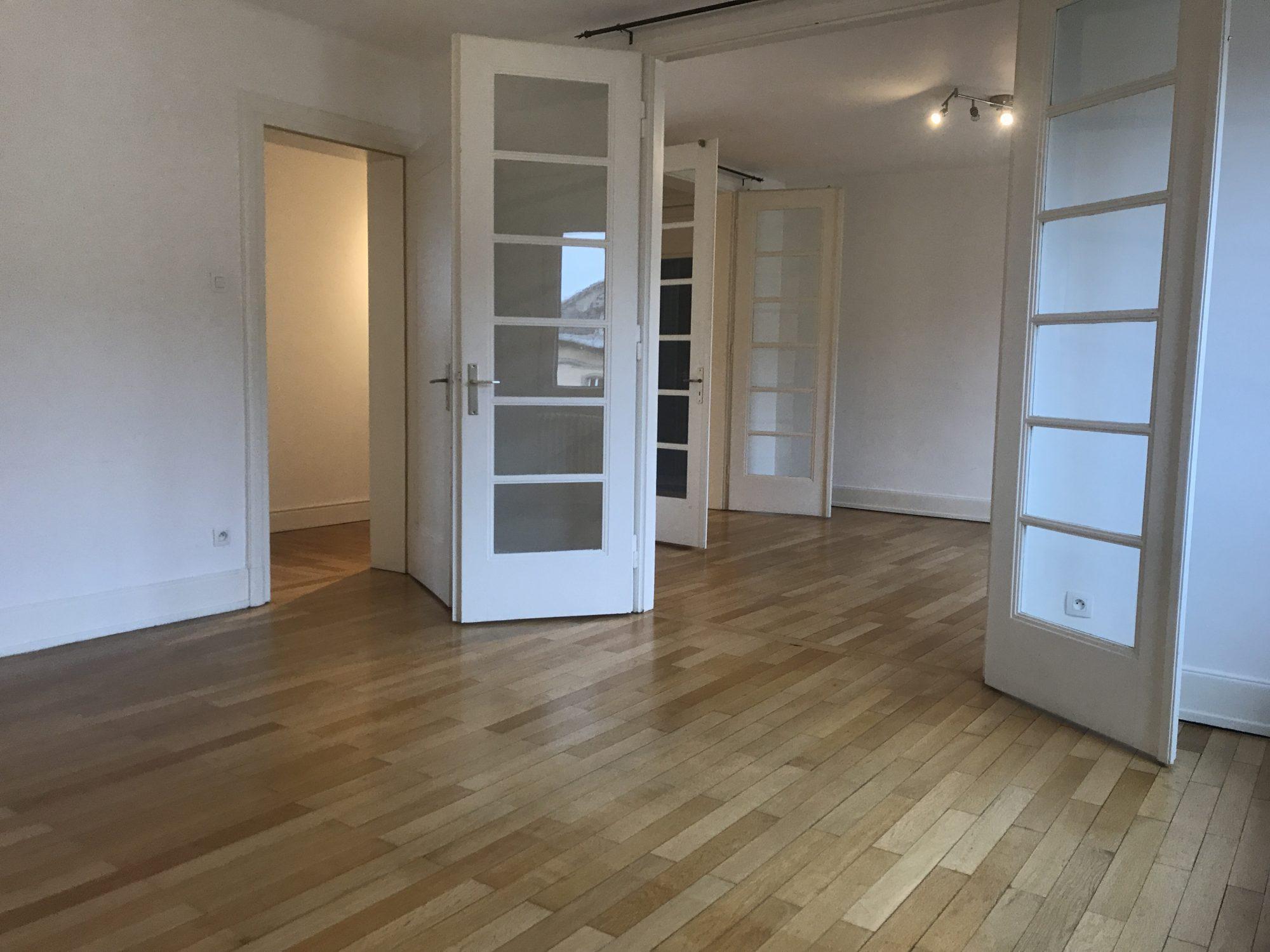 GRAND 3 PIECES BLVD DE LYON - Devenez locataire en toute sérénité - Bintz Immobilier - 1