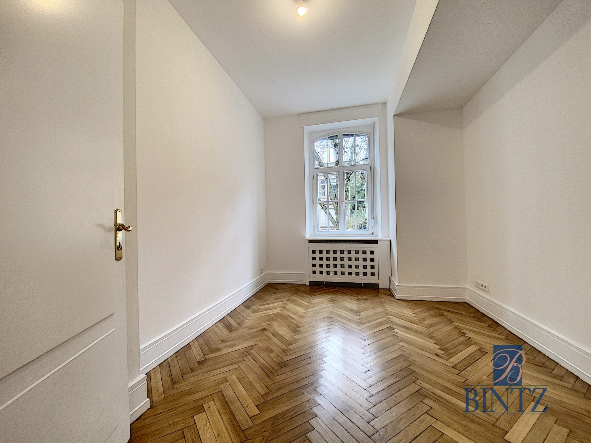 SUPERBE 4 PIECES ENTRE JARDIN BOTANIQUE ET ORANGERIE - Devenez locataire en toute sérénité - Bintz Immobilier - 13