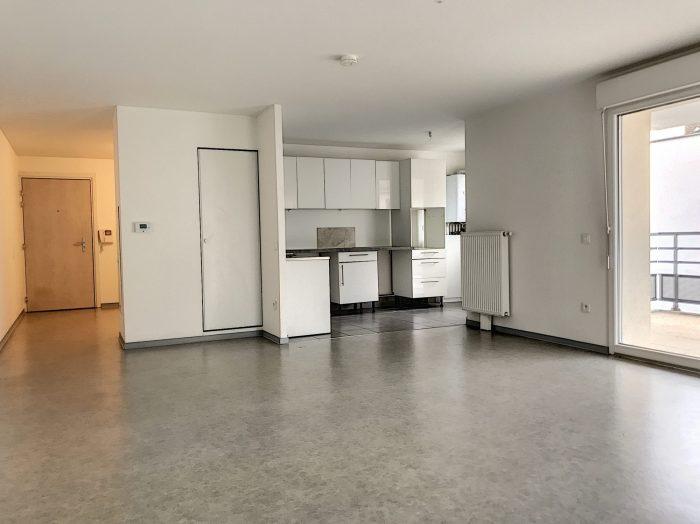 3 Pièces SCHILTIGHEIM + Terrasse - Devenez locataire en toute sérénité - Bintz Immobilier