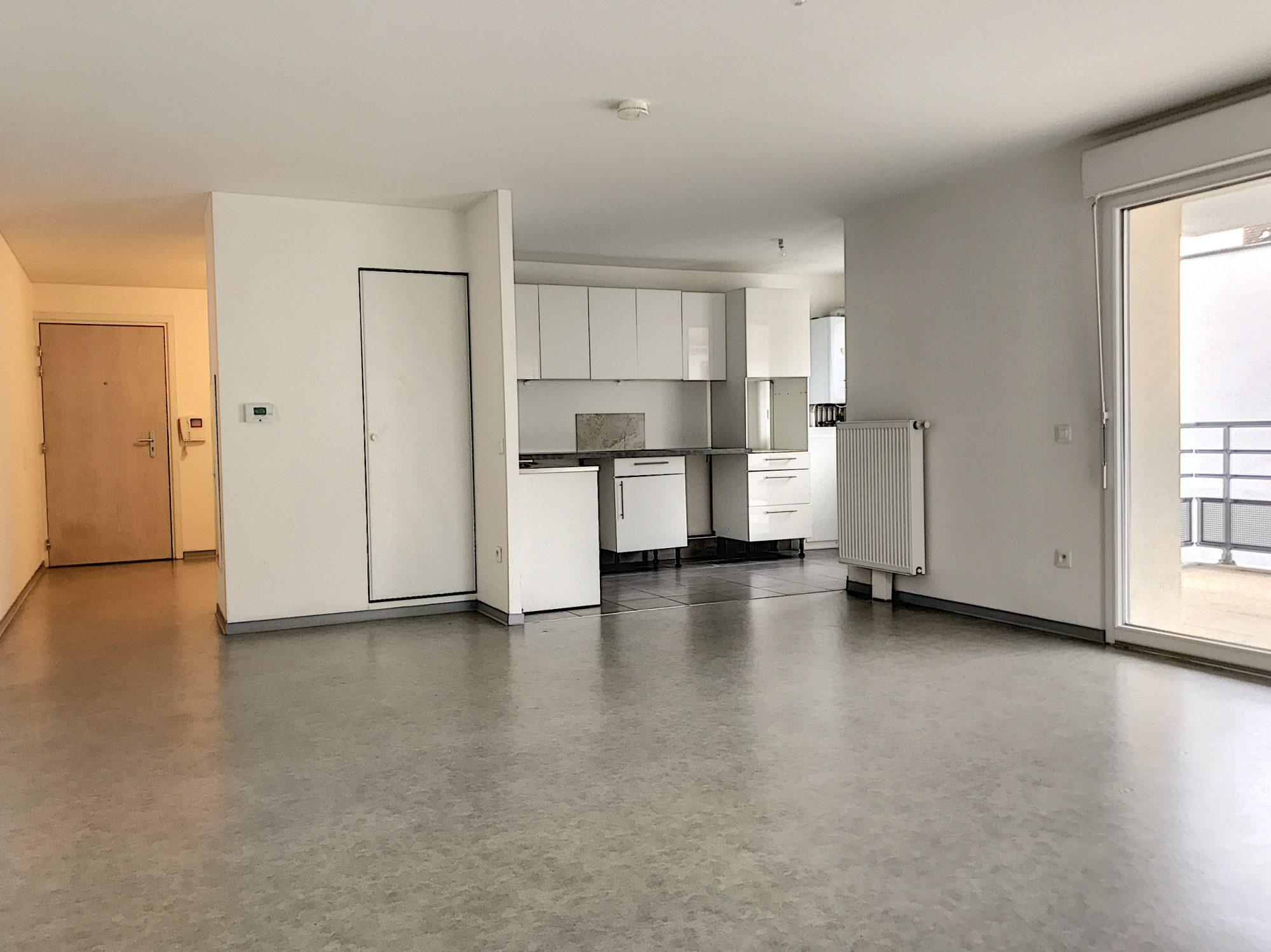 3 Pièces SCHILTIGHEIM + Terrasse - Devenez locataire en toute sérénité - Bintz Immobilier - 1