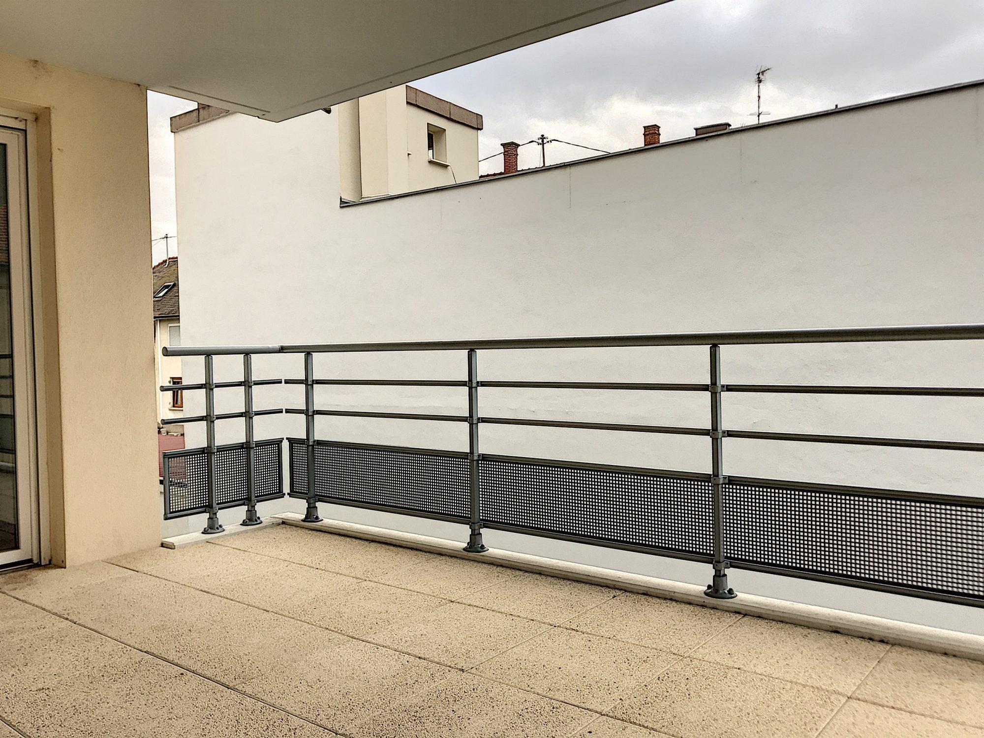 3 Pièces SCHILTIGHEIM + Terrasse - Devenez locataire en toute sérénité - Bintz Immobilier - 5