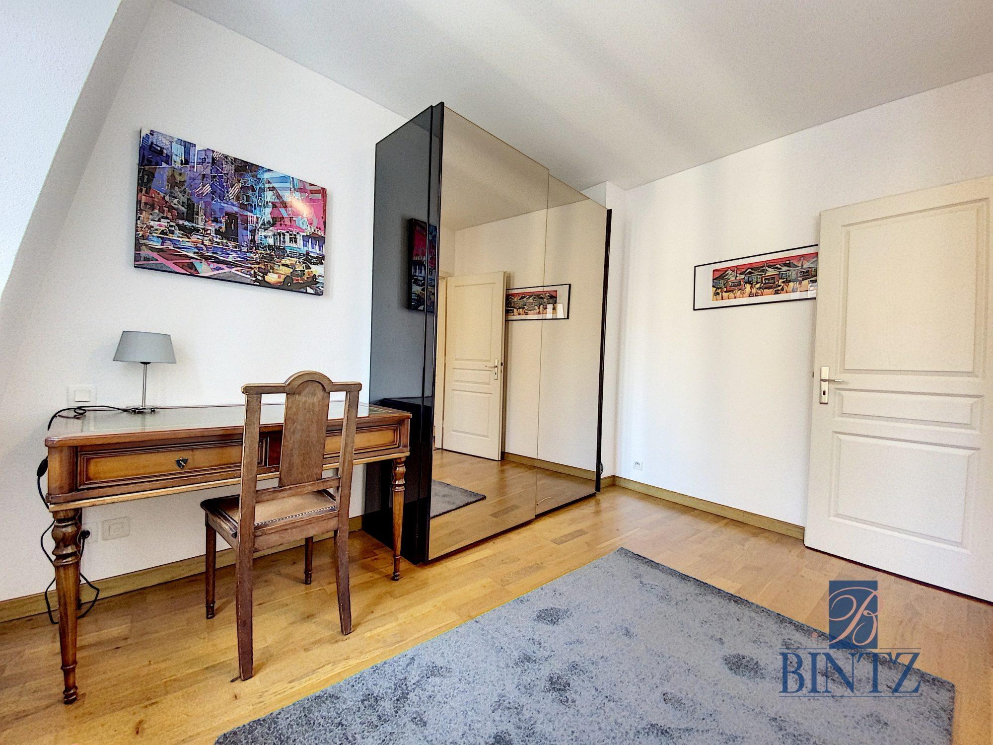 T3 MEUBLÉ HYPER-CENTRE VUE CATHÉDRALE - Devenez locataire en toute sérénité - Bintz Immobilier - 4