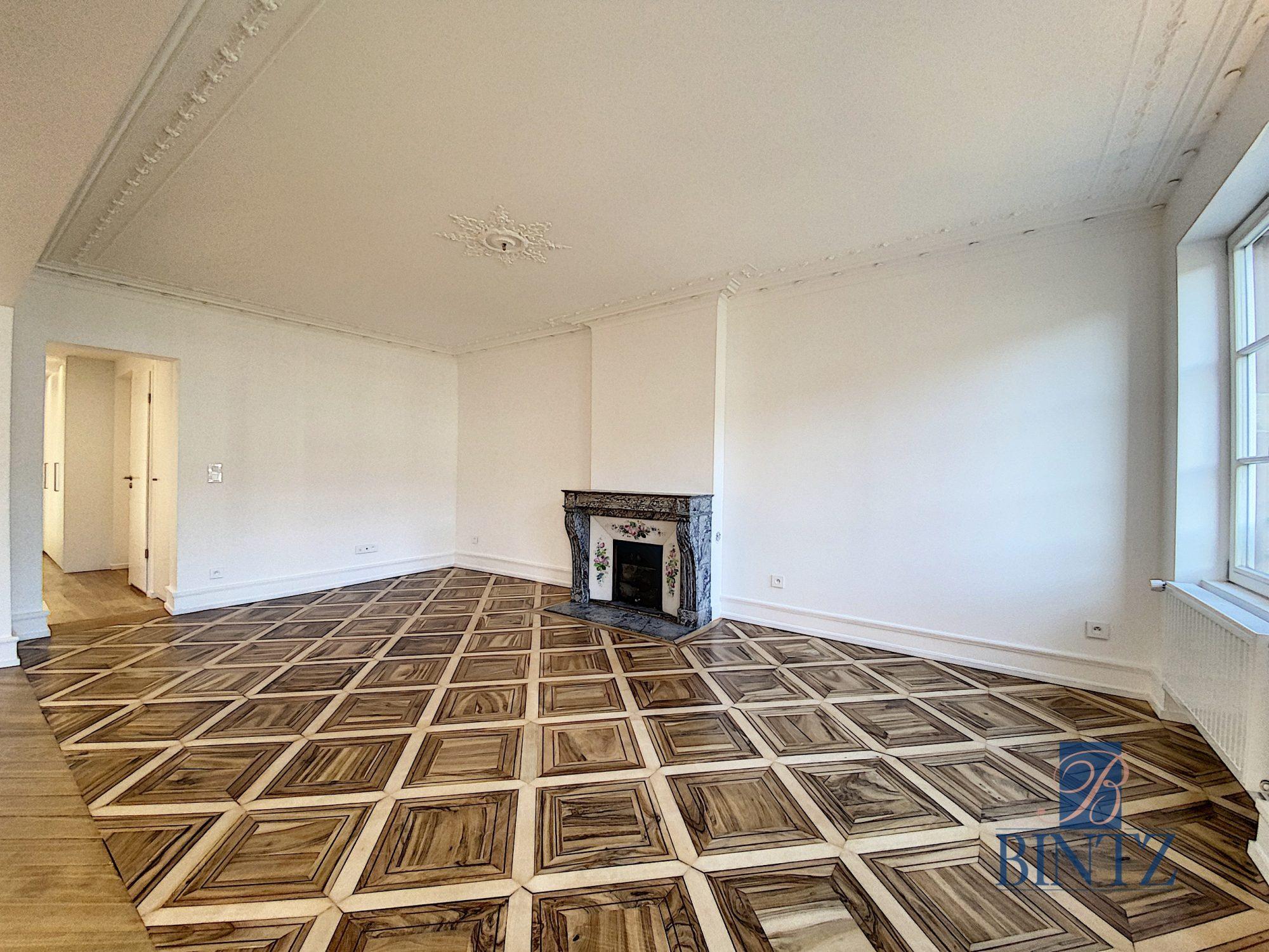 5 pièces d'exception face à la mairie - Devenez locataire en toute sérénité - Bintz Immobilier - 5