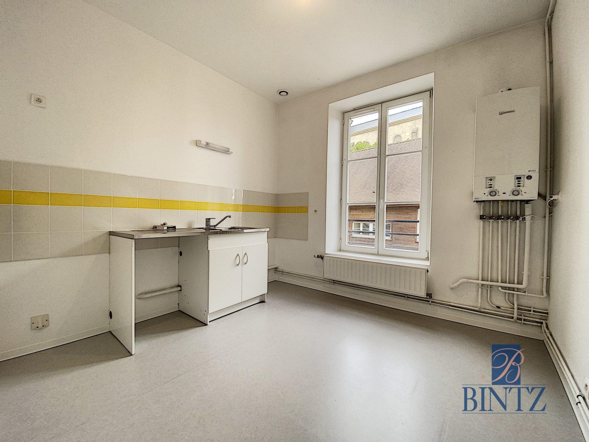 3 pièces toulon/arroux 1er maison de maitre - Devenez locataire en toute sérénité - Bintz Immobilier - 3
