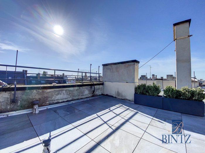 DUPLEX PLACE DE L'UNIVERSITÉ AVEC TERRASSE - Devenez locataire en toute sérénité - Bintz Immobilier