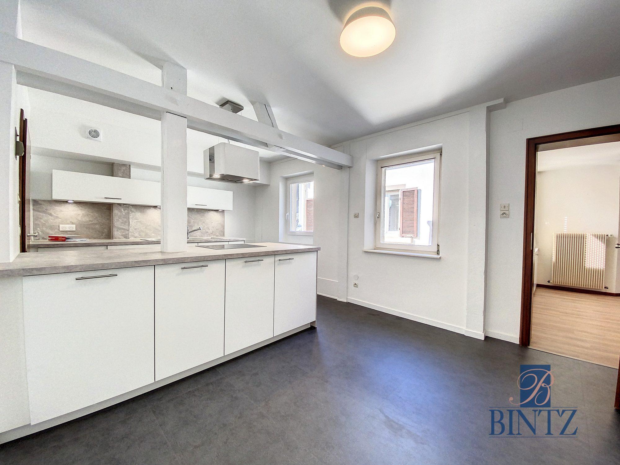 DUPLEX avec terrasse PLACE DE L'UNIVERSITÉ AVEC TERRASSE - Devenez locataire en toute sérénité - Bintz Immobilier - 7