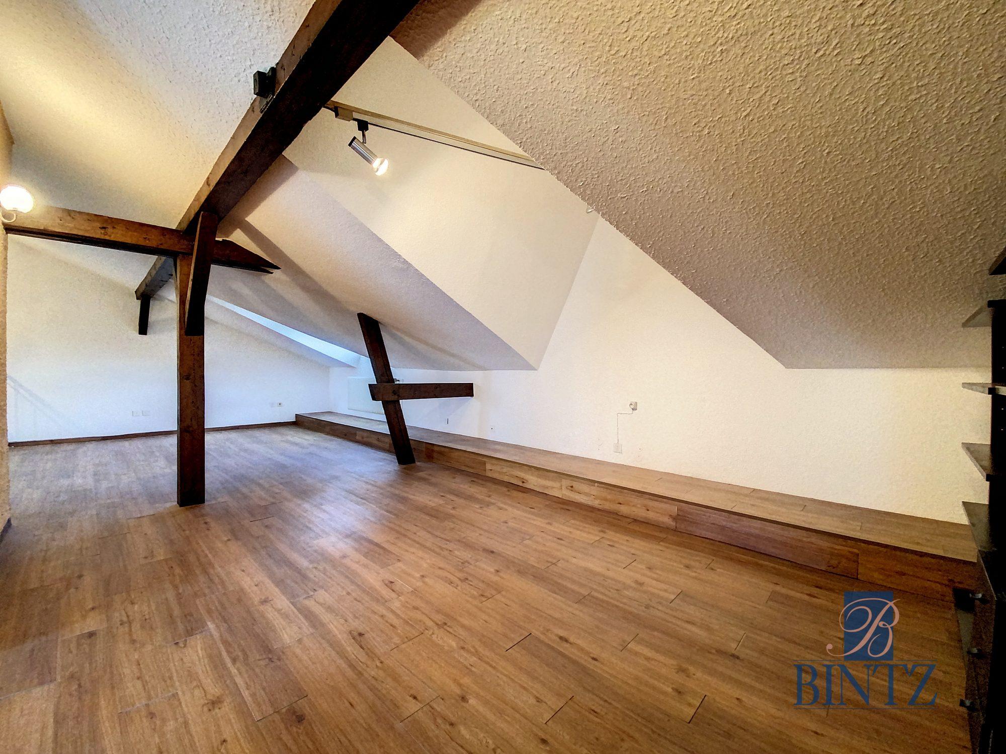 DUPLEX avec terrasse PLACE DE L'UNIVERSITÉ AVEC TERRASSE - Devenez locataire en toute sérénité - Bintz Immobilier - 16
