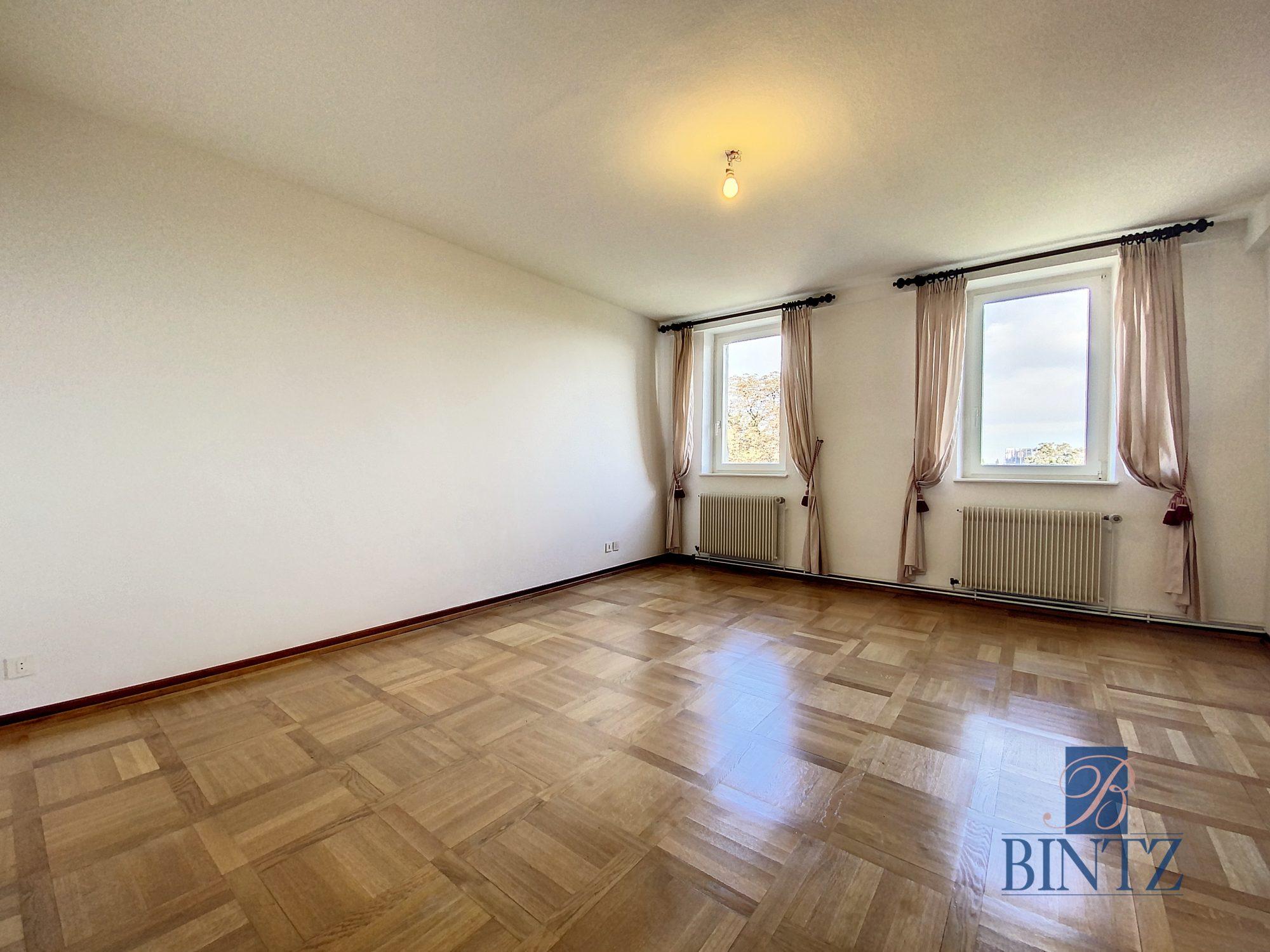 DUPLEX avec terrasse PLACE DE L'UNIVERSITÉ AVEC TERRASSE - Devenez locataire en toute sérénité - Bintz Immobilier - 8