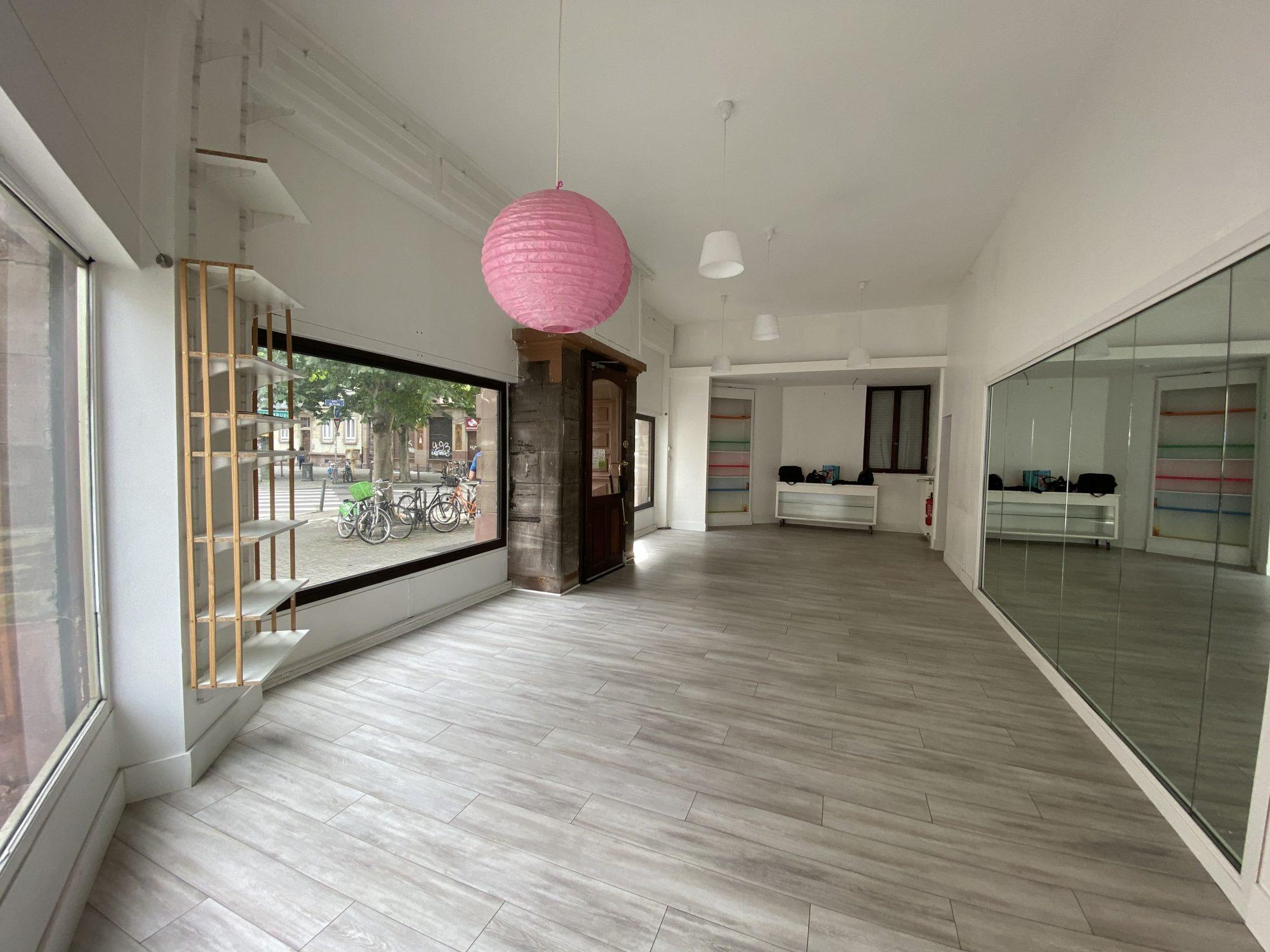 LOCAL COMMERCIAL A LOUER MUSEE D'ART MODERNE - Devenez locataire en toute sérénité - Bintz Immobilier - 5