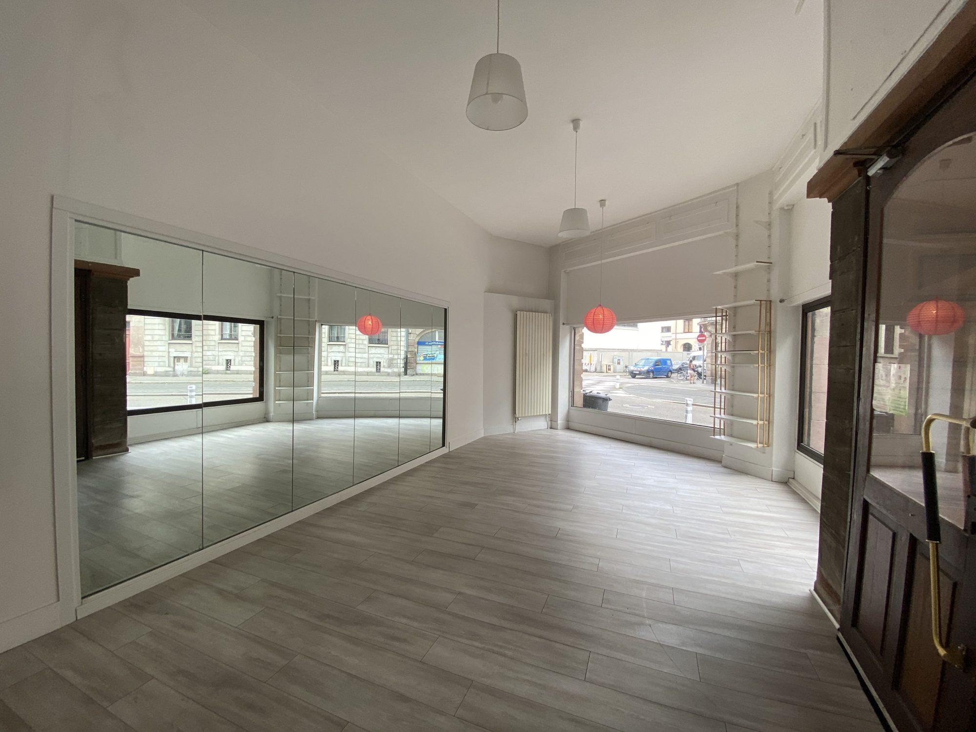 LOCAL COMMERCIAL A LOUER MUSEE D'ART MODERNE - Devenez locataire en toute sérénité - Bintz Immobilier - 9