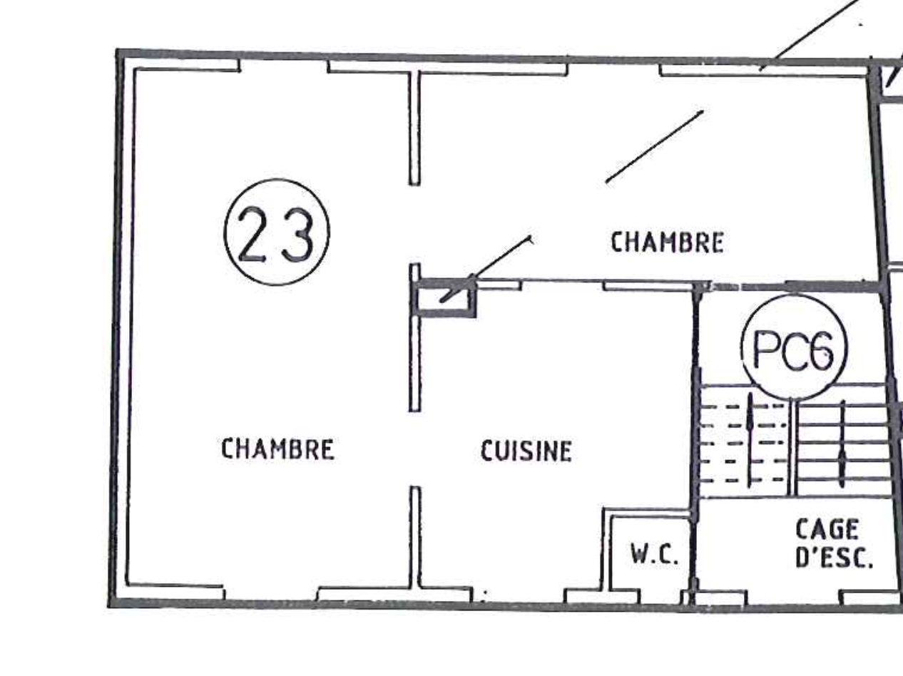 T2 À RENOVER ENTIÈREMENT À SCHILTIGHEIM - Devenez locataire en toute sérénité - Bintz Immobilier - 2