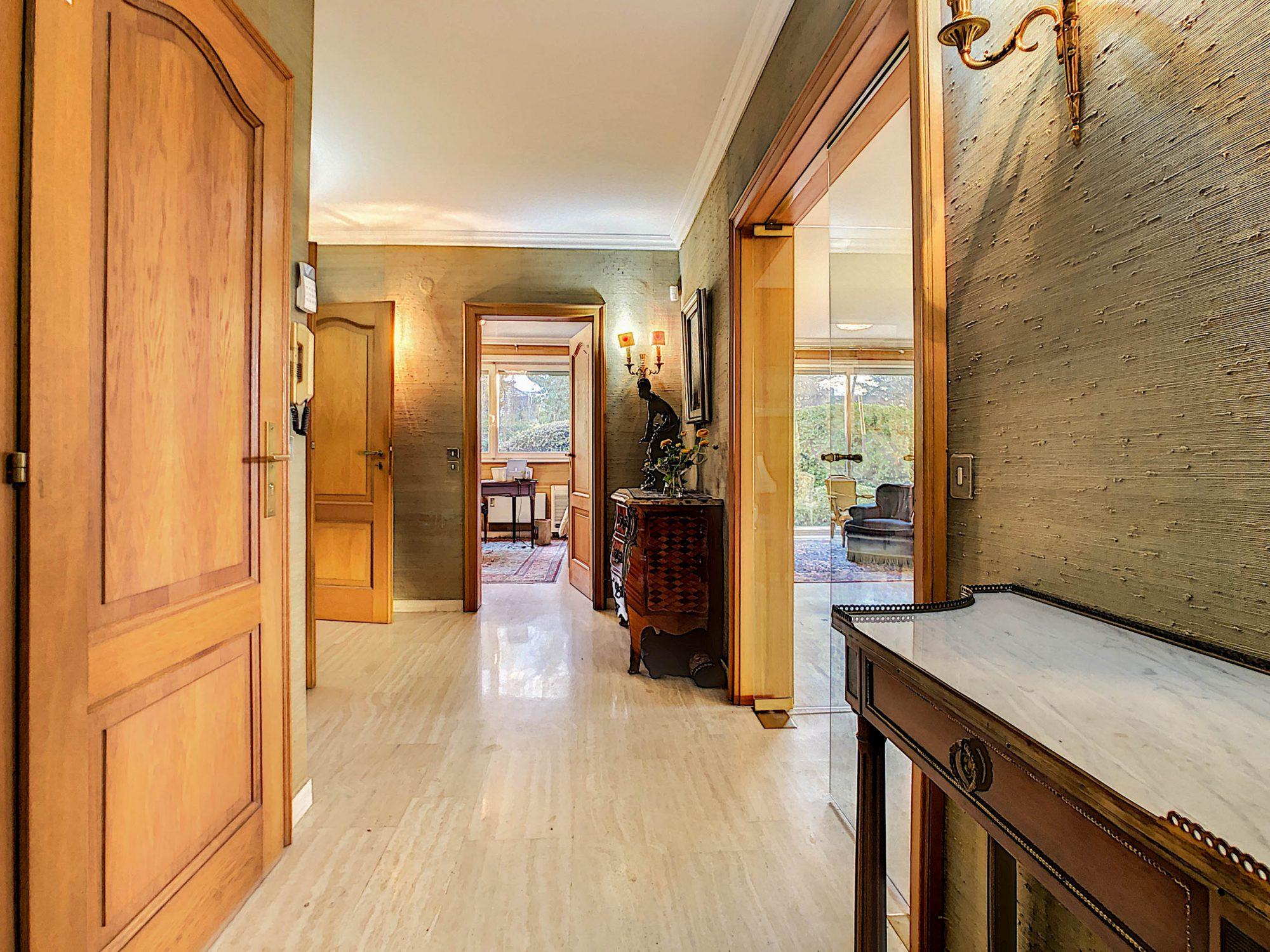 Maison individuelle 8 pièces de 250m2 à Illkirch-Graffenstaden - Devenez propriétaire en toute confiance - Bintz Immobilier - 8