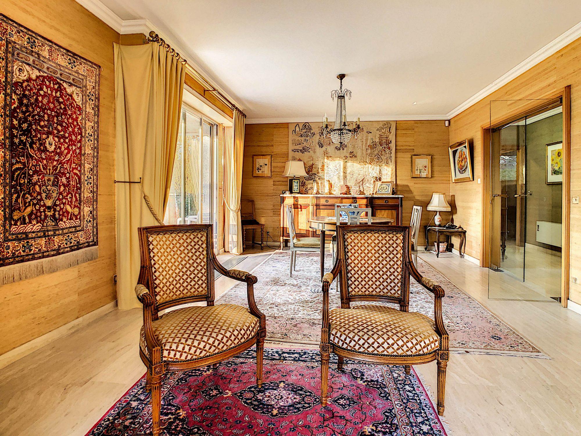 Maison individuelle 8 pièces de 250m2 à Illkirch-Graffenstaden - Devenez propriétaire en toute confiance - Bintz Immobilier - 7