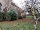 Ancienne bâtisse de caractère, avec tour, jardin fermé et vue dégagée