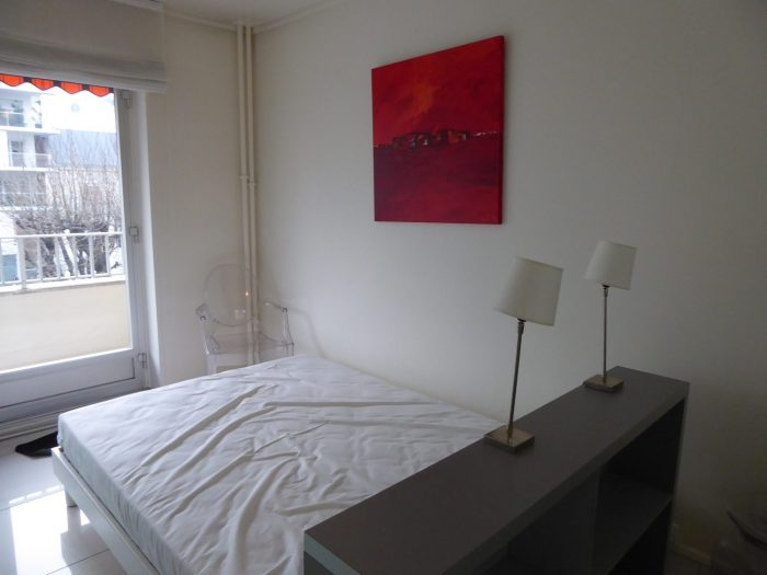 Beau studio meubl agence reims cathedrale reims - Location appartement meuble reims ...