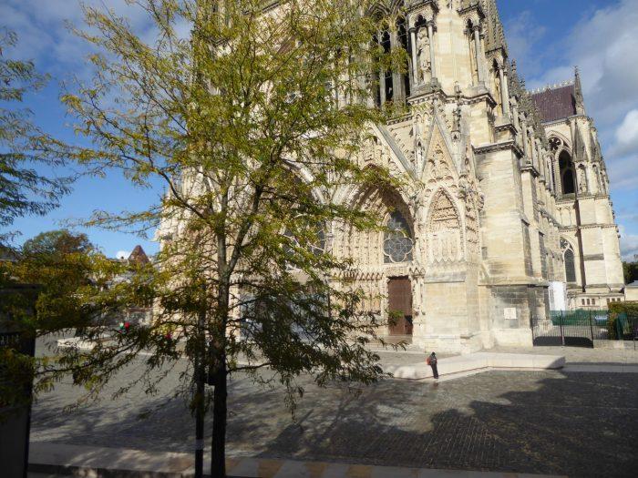 Beau type 4 au pied de la cathédrale