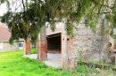 Maison de village avec dépendances et grand terrain.