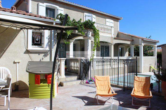 photo de Maison de caractére de 133 m² avec sa piscine