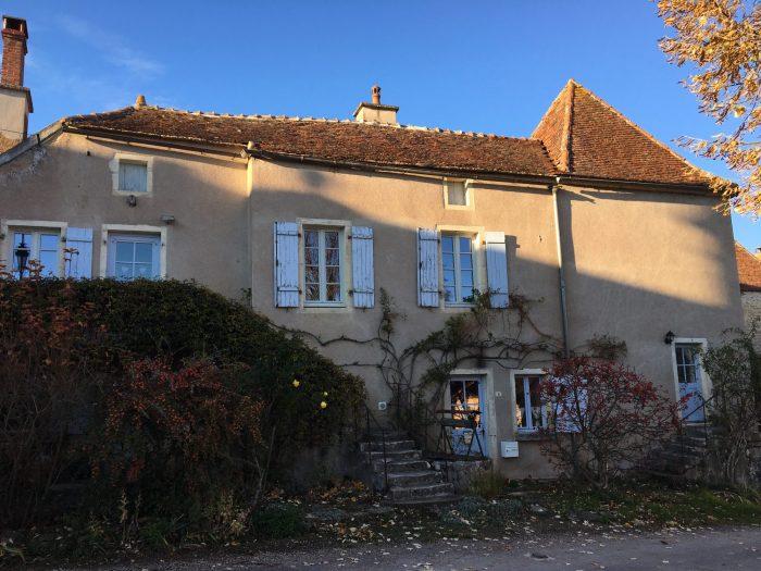 Maison ancienne Moutiers-Saint-Jean 85 m²