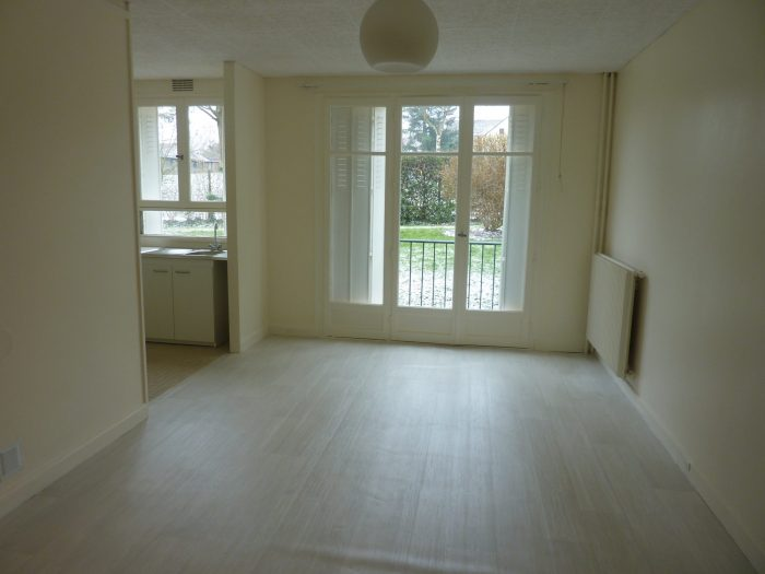Location annuelleAppartementLES CLAYES SOUS BOIS78340YvelinesFRANCE