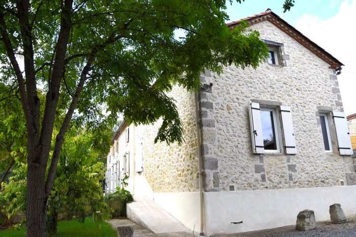 Maison ancienne Roquefort 324 m²