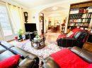 Maison   198 m² 8 pièces