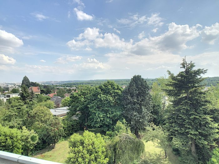 Location annuelle Appartement SAINT-CLOUD 92210 Hauts de Seine FRANCE