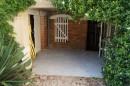 Maison de village / maison secondaire / rénovée / cour / garage / dépendances / terrasse / puits / double vitrage.