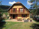 Belle maison dans cadre de verdure