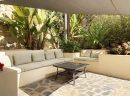 Belle villa moderne sur un terrain de 1.317m2 d'où vous pouvez profiter de vues spectaculaires sur la mer et sur tout Javea.