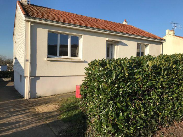 Location annuelleMaison/VillaSAINT-GEORGES-DE-MONTAIGU85600VendéeFRANCE