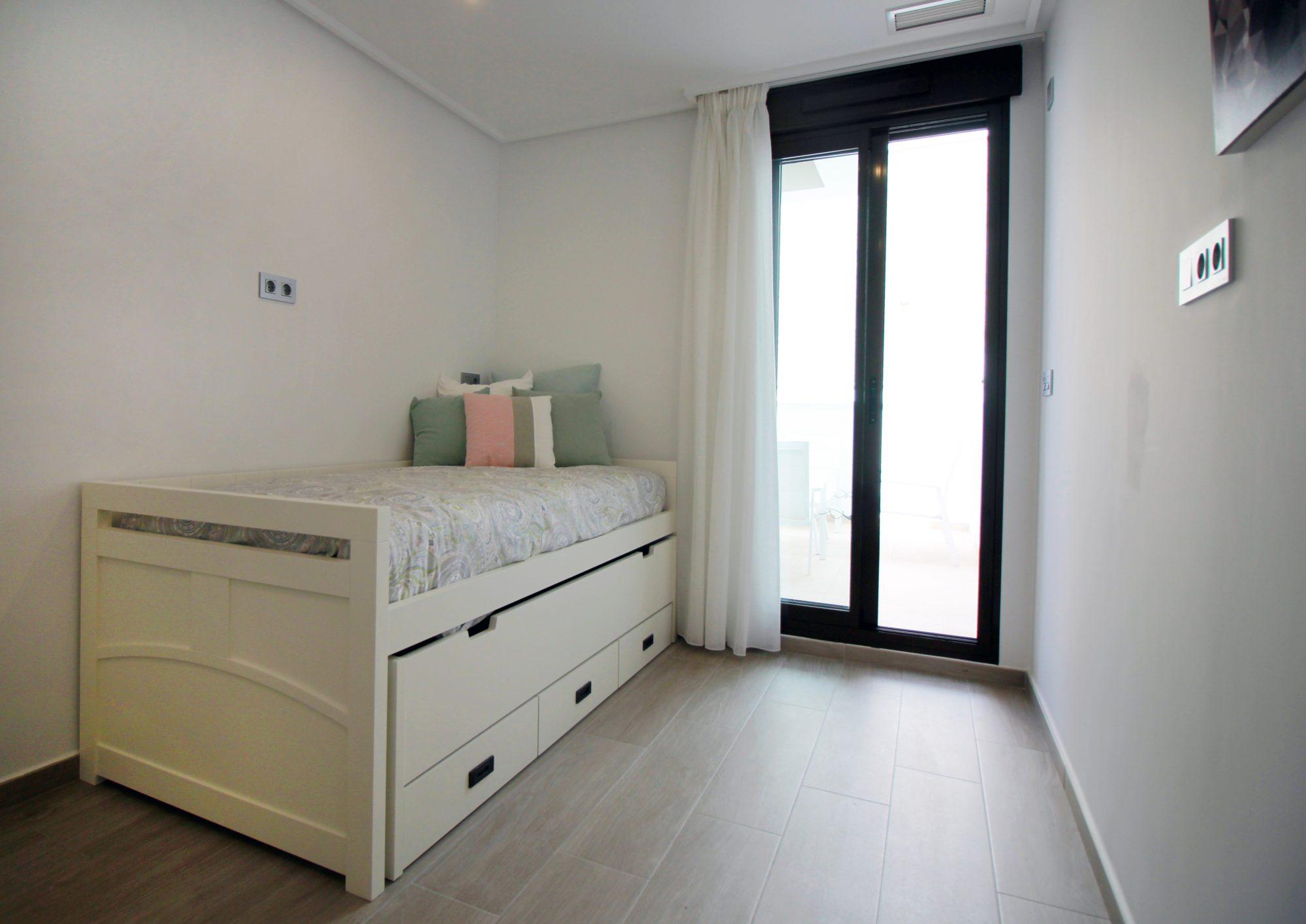 79 m²   4 pièces Appartement