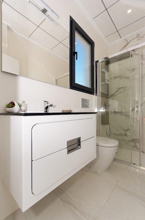 90 m²  Maison 3 pièces