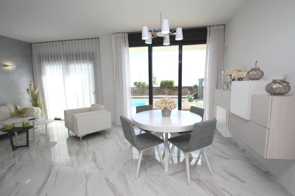 3 pièces   Maison 92 m²