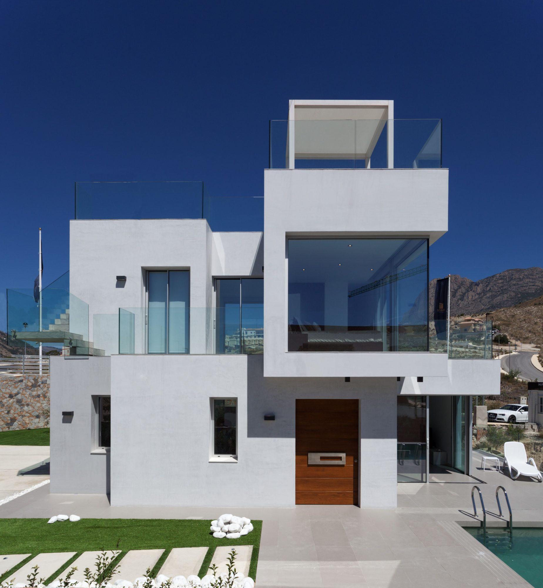 Maison   225 m² 6 pièces