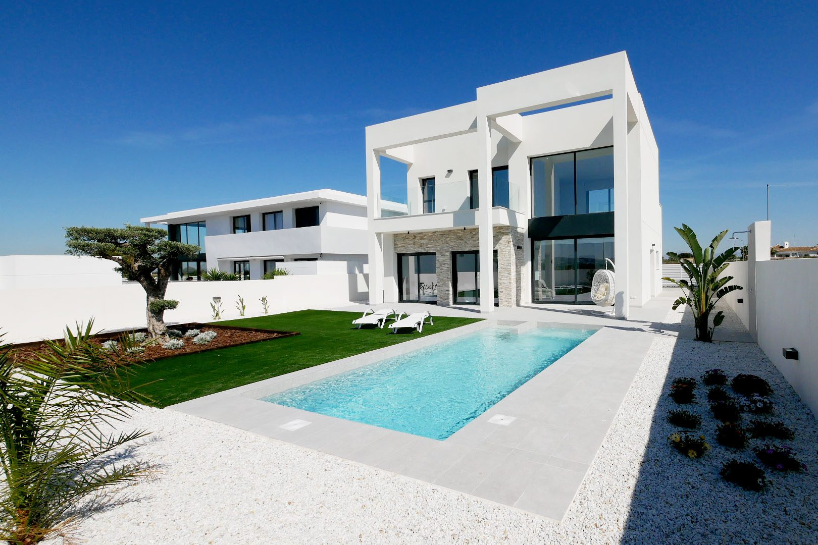 207 m²  4 pièces  Maison
