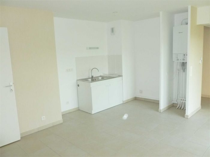 Location annuelleAppartementDREUIL LES AMIENS80470SommeFRANCE