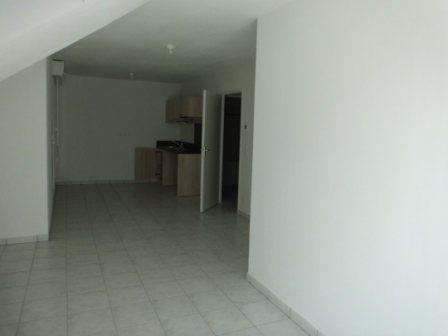 photo de LOUVIERS - Studio avec balcon + parking + cave
