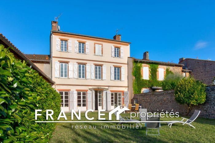 Grande Maison Bourgeoise Avec Jardin France Proprietes Le Fousseret