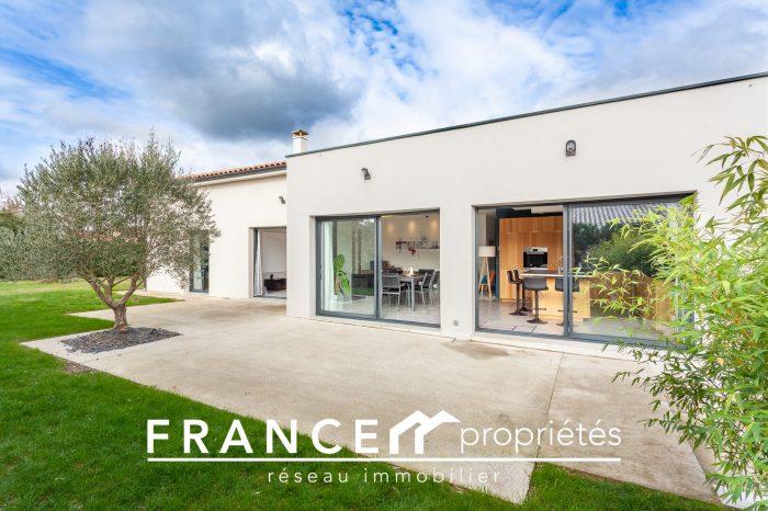 VenteMaison/VillaPEYSSIES31390Haute GaronneFRANCE