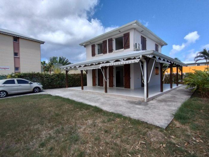 4 pièces 80 m² Les Trois-Îlets   Maison