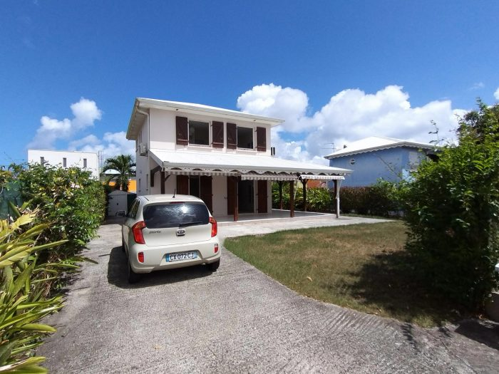 Maison 4 pièces 80 m²  Les Trois-Îlets