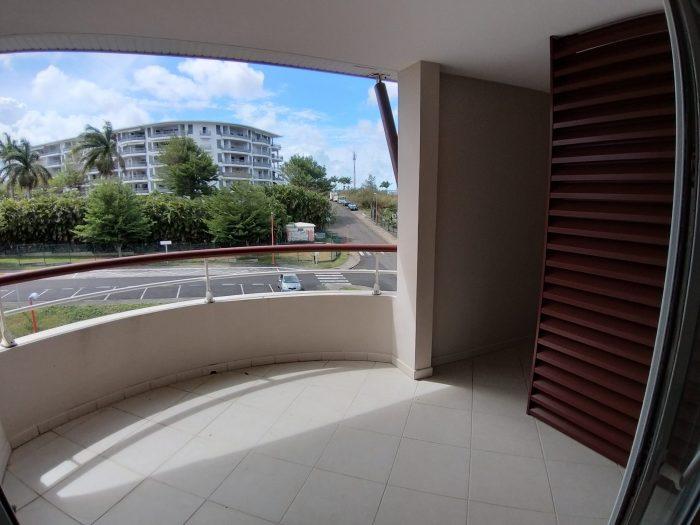 2 pièces 40 m² Le Lamentin  Appartement